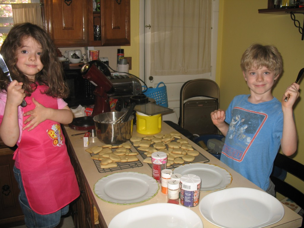 Nathaniel and Juliet make sugar cookies