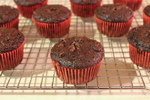 Skinny Chocolate Fudge Banana Muffins