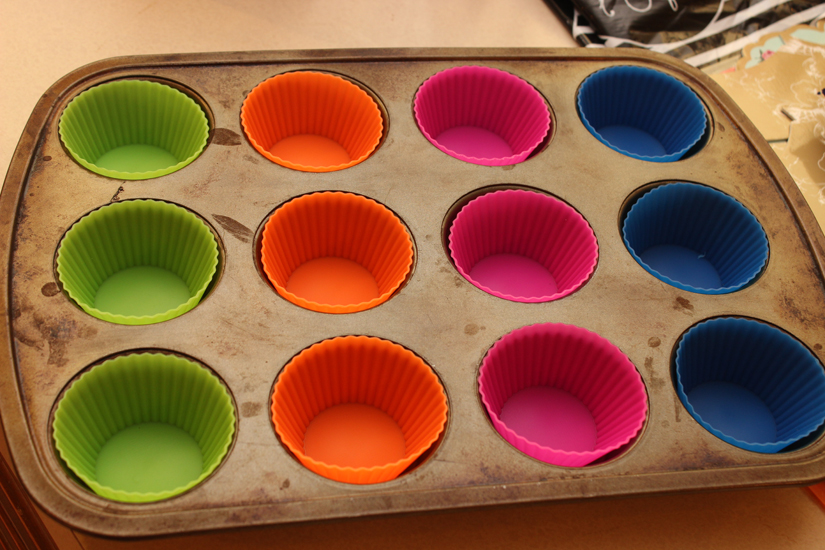 baking cups in tin