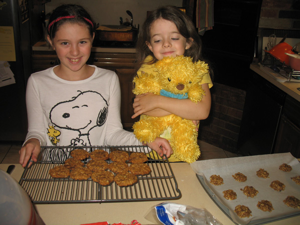 Margot and Juliet with cookies