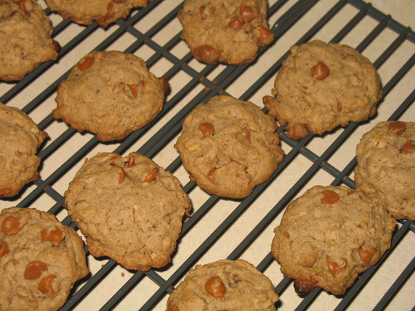 cinnamon chip maple oat cookies on rack