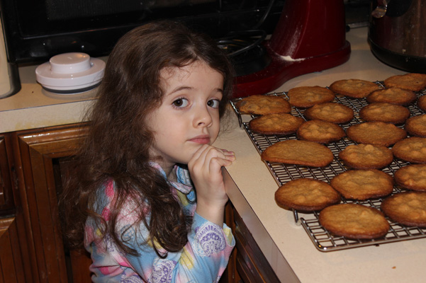 Juliet with cookies