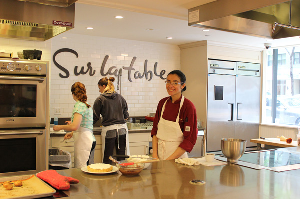 Gisselle Madariaga at the Sur La Table baking ratios class