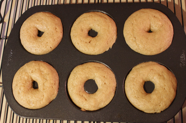 donuts in pan