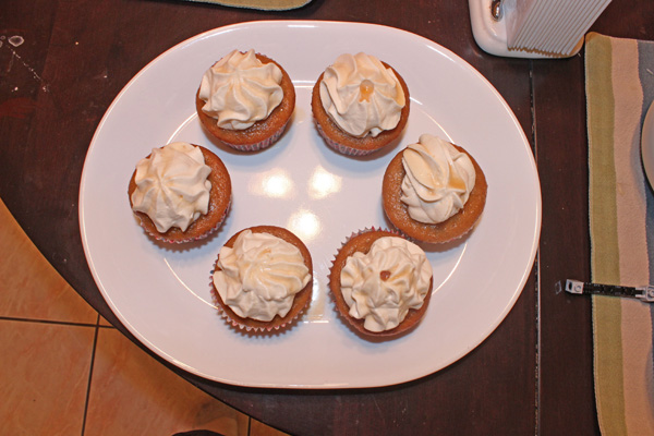 root beer cupcakes with cream sode whipped cream frosting