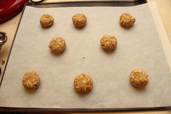 8 cookies per sheet