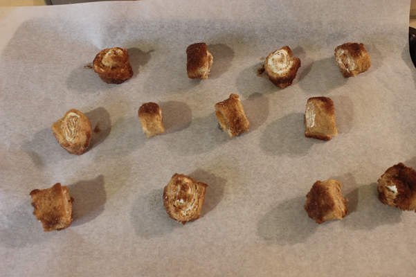cinnamon snails on cookie sheet
